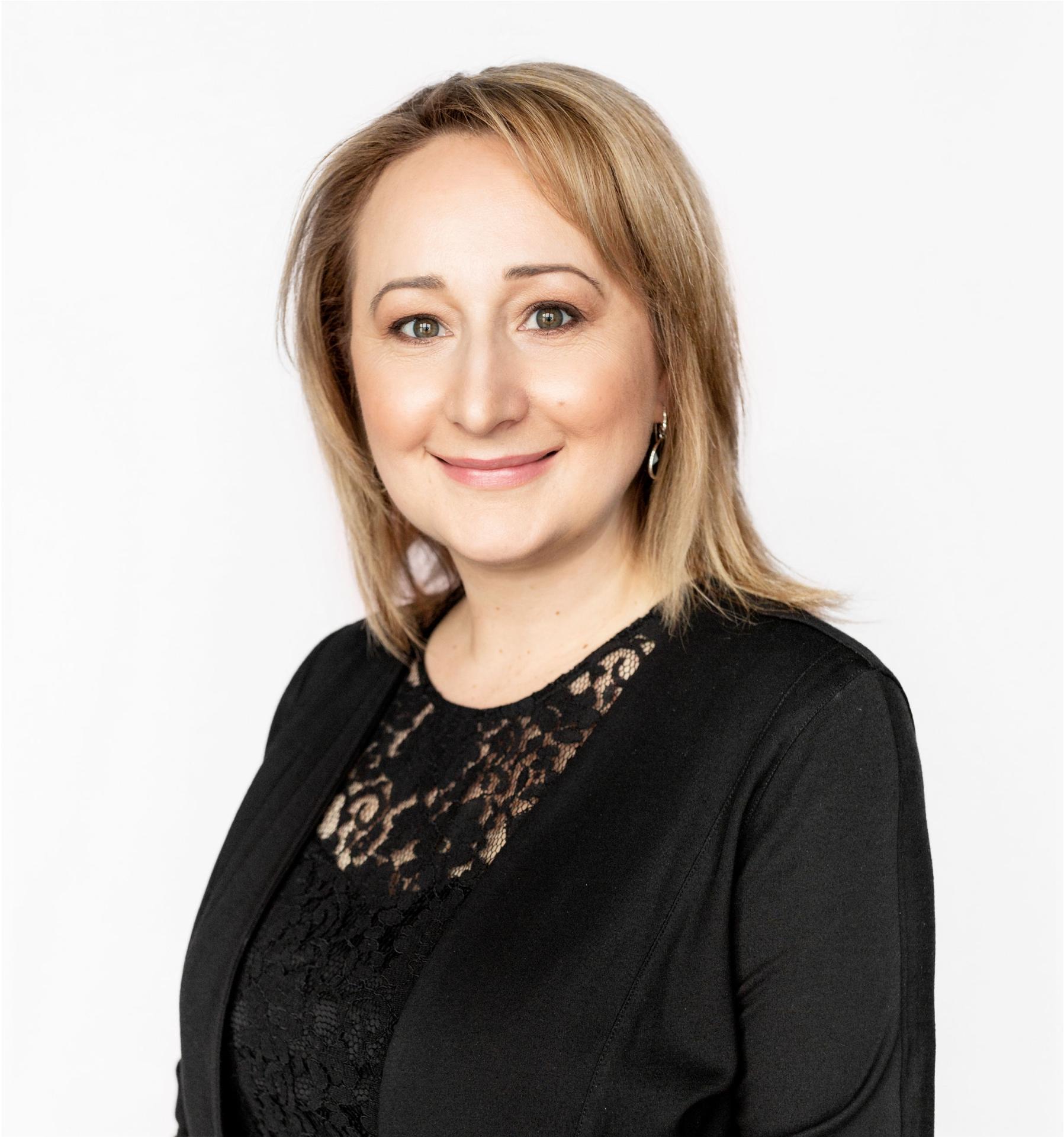 Christina L. Tchir